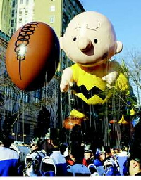Charlie Brown float.